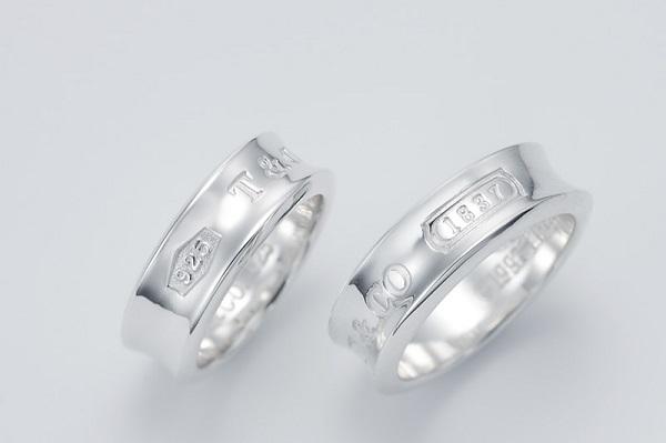 ティファニーペアリング1837FISS、ホワイトデーお返し彼女ジュエリー アクセサリー ペアネックレス ペンダント 花束 指輪 ペアリング